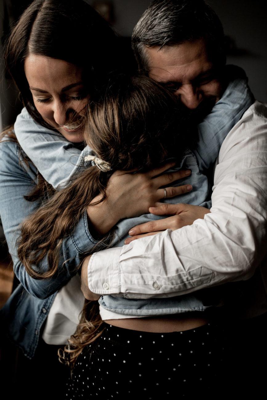 Photographe Famille Lifestyle Pontault Combault - Paris - Ile de France - seance photo famille en interieur paris - seance photo famille a domicile - dalale shoeir photographe