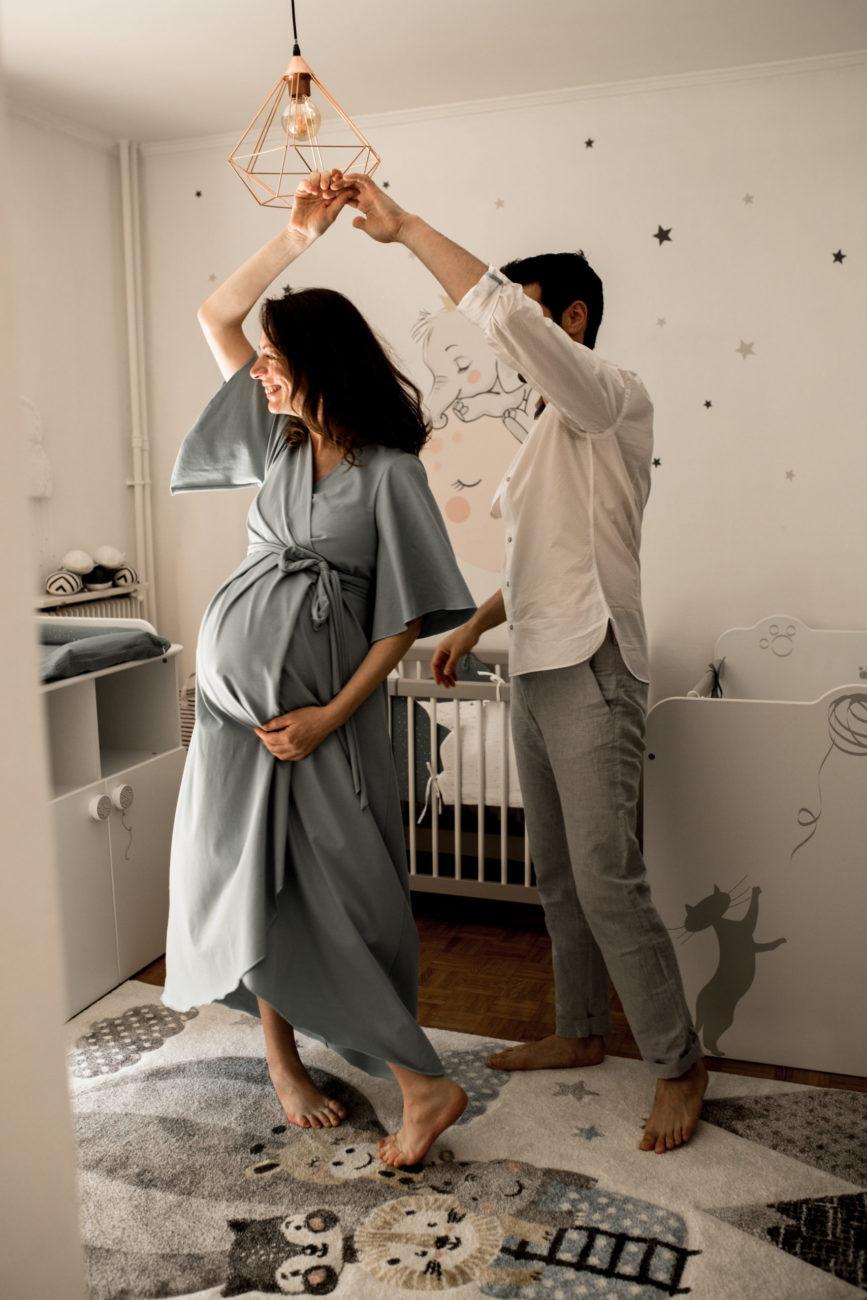 séance photo grossesse pontault combault - reportage photo de maternité - photos femme enceinte seine et marne - dalale shoeir photographe - photographe famille lifestyle - photo grossesse lifestyle ile de france